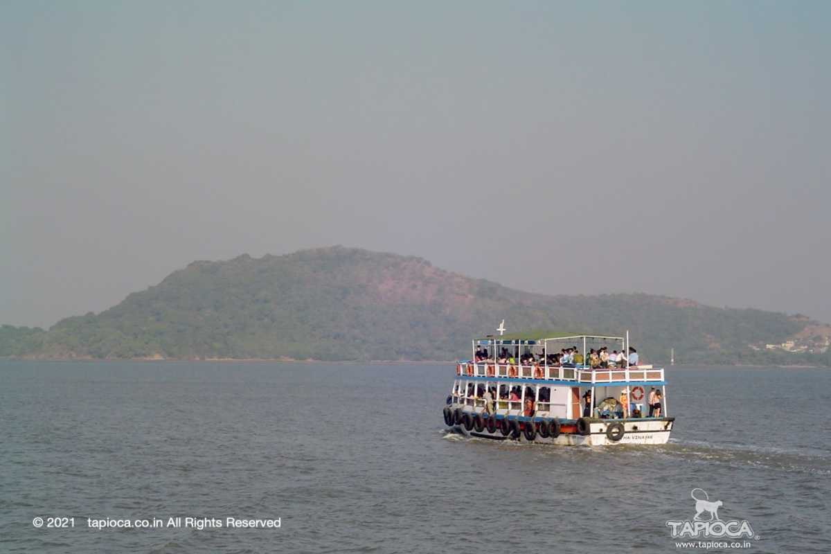 Ferry going to Elephanta Caves